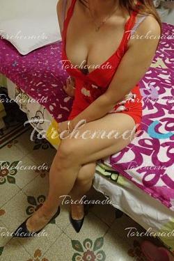Asiatica tatuata Accompagnatrice Girl Firenze