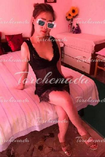 Calda amante Escort Girl pompino al naturale Firenze
